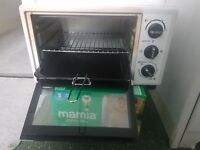 mini oven for sale £25 not being used clean and ready