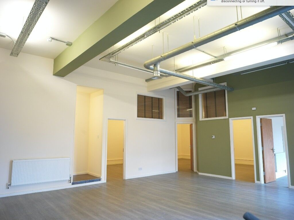 HUGE 4 BED Warehouse Apartment ! With Garden! 2 Bathrooms! WOW WOW