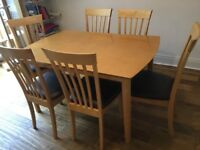 Table with 4 or 6 chairs