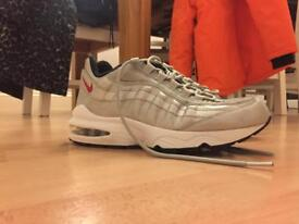 Nike air max 95s size 5.5 (silver and red)