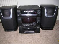 Panasonic Stereo system SA-AK20 with 5 CD, tuner and two tape decks. Good condition