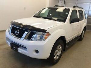2011 Nissan Pathfinder S Package- Seats 7!