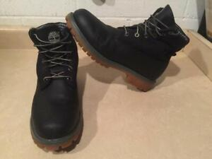 Mens Size 9 W Timberland Leather Boots
