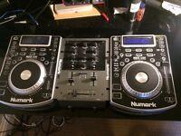 Numark NDX 400 CDJS X2 + M1 Mixer