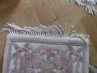 100% wool Chinese rug £12 reduced Dry Cleaned L 122cm (48in) W 70 cm (28in) beige pretty design