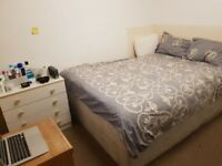 LARGE DOUBLE ROOM FOR RENT IN ACTON WEST LONDON NEAR CHISWICK ALL BILLS INCLUDED