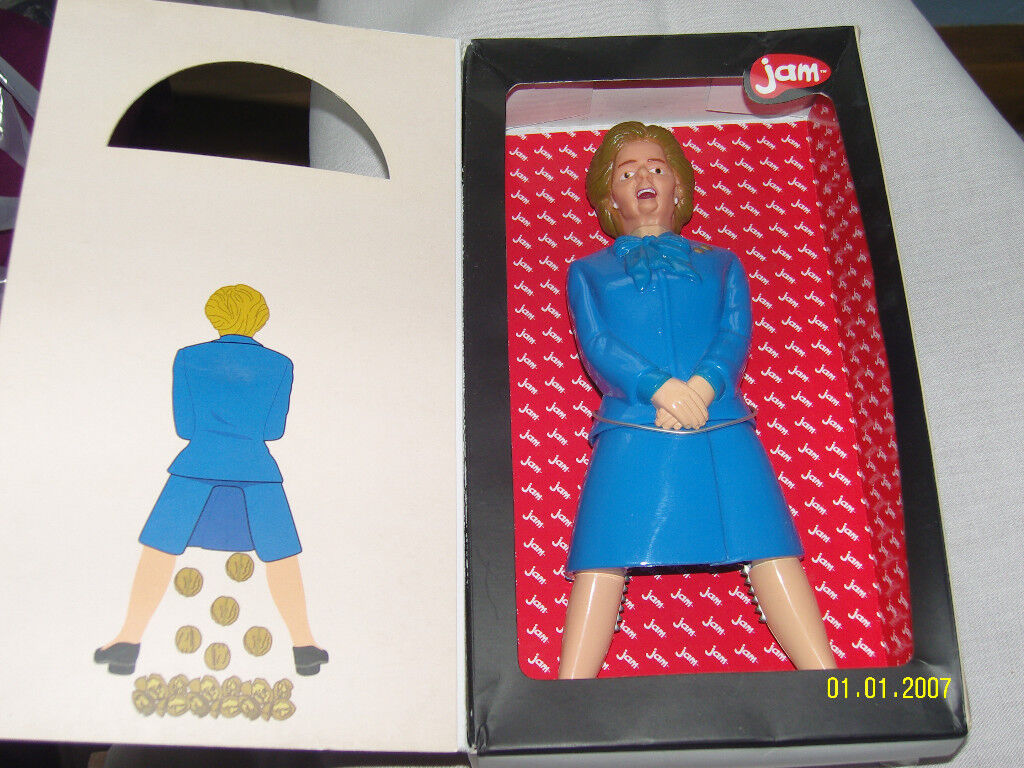 COLLECTIBLE MAGGIE THATCHER NOVELTY NUTCRACKERS