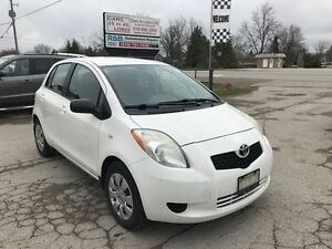 2008 Toyota Yaris LE **Power Options***