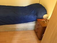 single room to let @ E16 3DZ all bills inclusive 5 min walk prince regent station available 8 sep !!