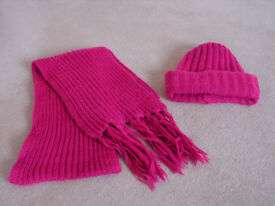 KIDS WOOL PINK HAT AND SCARF - AGE 8+