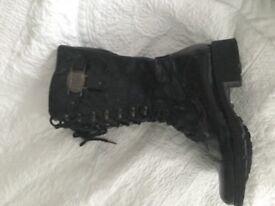 Italien Black Paintent Boots