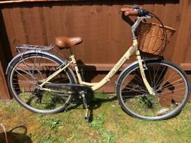 "Ladies Bicycle City Discovery Pro Bike 28"" wheels"