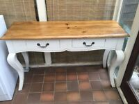 Side table with 2 drawers. Good condition