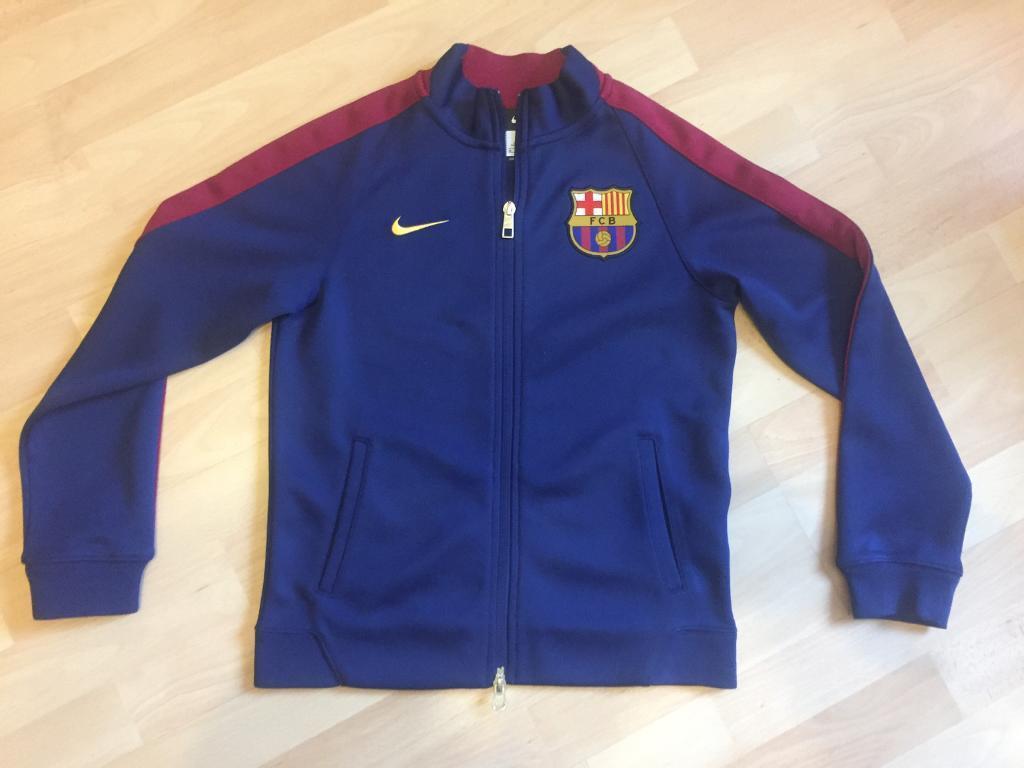 ea4bca0cf7b6 Boys medium Nike FC Barcelona zip up jacket football