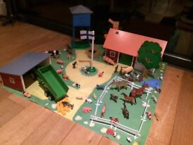 Micki wooden farm with play mat