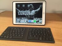 IPad Air 2 4G-LTE with Apple Case and Keyboard