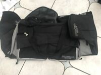 """""""MOUNTAIN RIDGE"""" Wheelie Trolly Bag in excellent used order"""