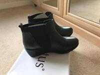 BRAND NEW Lotus size 6 women's shoes