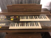 Yamaha Electric Organ - Excellent condition