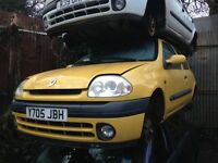 2001 Renault Clio mk2 1.2 16v Sport 3dr yellow BREAKING FOR SPARES