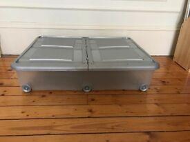 Under bed storage box with wheels