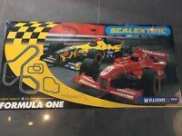 Williams F1 3.9 meter Scalextric track.