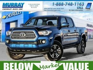 2017 Toyota Tacoma TRD Sport  **push button start! upgraded tire