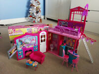 Barbie Glam Vacation House with box excellent condition