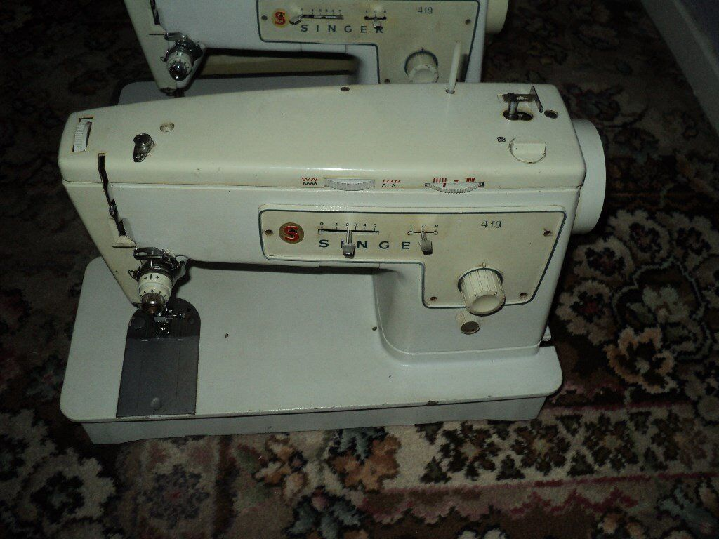 Electric Singer Sewing Machine 413 without Table /cabinet not working for repair or spare parts