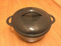 GREY CAST IRON LIDDED STEW POT / CASSEROLE ENAMEL LINED