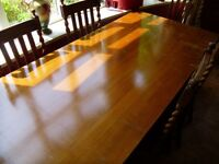 Extentable Oak Table and Chair set, 6 chairs included