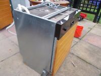 Bargain Used Whirlpool APUCL/2 Integrated Dishwasher In Good Working Order Local Delivery Possible