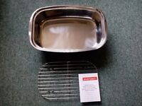 2 stainless steel roasting trays