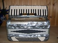 Marinucci, 96 Bass, 3 Voice, Piano Accordion.