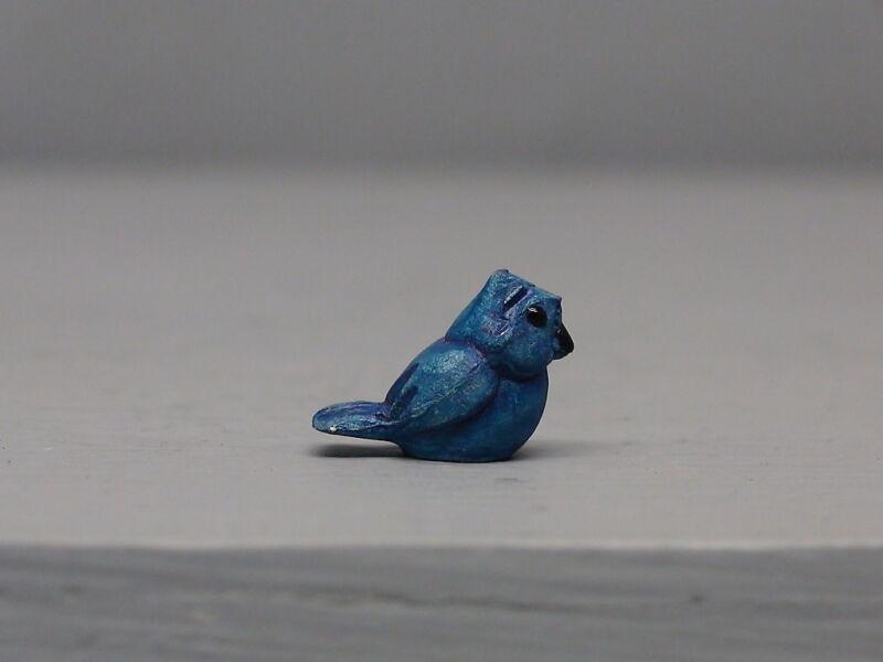 Rare Tiny Hagen Renaker Aurasperse Bluebird Tail Raised