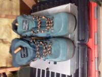 MENS SIZE 7 STREETLITE PORTWEST HIKING WORKING BOOTS NEW IN BOX.£15.00