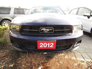 2012 Ford Mustang V6   LEATHER   BLUETOOTH  