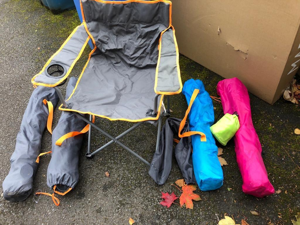 Fold out camping chairs (5)