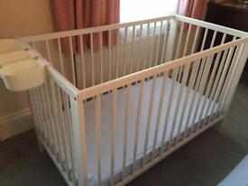 Baby cot, like new, with mattress