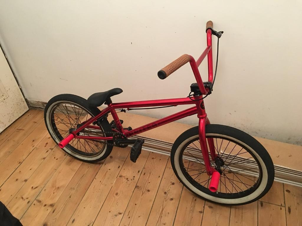 United recruit bmx bike and pads/helmet/gloves REDUCED
