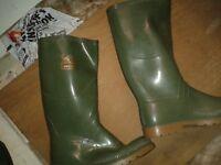 Green wellington boots, brand new