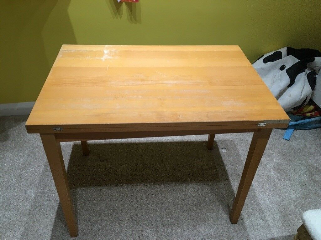 Small extendable dining table