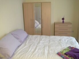 Three bed Brockley Zone 2 gorgeous garden flat Goldsmiths Masters / young prof