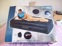 twin size inflatable Intex bed and pump