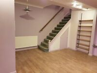 Newly Decorated 4 bed house in Feltham (Heathrow Terminal 1,2,3,4 and 5), Hatton Cross