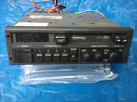 VINTAGE FORD DIGITAL STEREO 1980'S