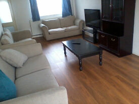 DOUBLE room to rent in newly refurbished house houseshare lodger
