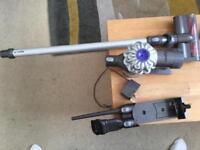 Dysentery V6 cordless vacuum