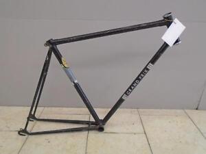 """Cadre de vélo de route Grand-Prix 22"""" - 0317-2"""