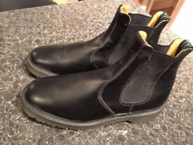 NEW SOLOVAIR BOOTS IN SHOP £170 ONLY 50£ SIZE 10